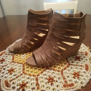 Womens Taupe Cut out wedges
